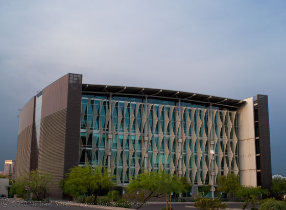 Photo of the Burton Barr Central Library in Phoenix