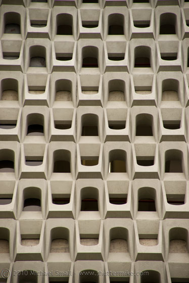 Architectural detail photo of the UCSD School of Medicine