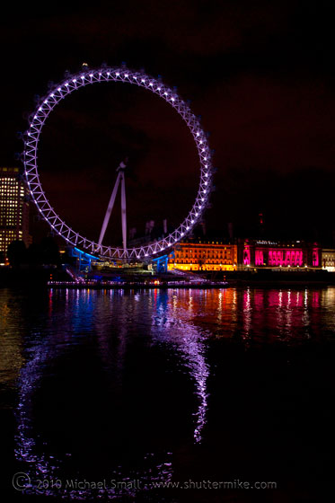 Photo of the London Eye at night