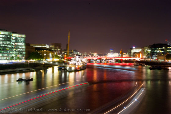 Long exposure photography of the Thames River at night