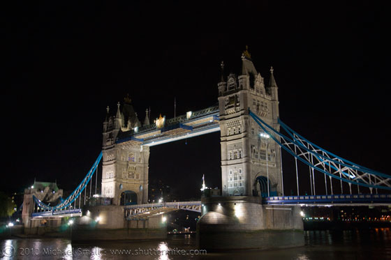 Photo of Tower Bridge at night