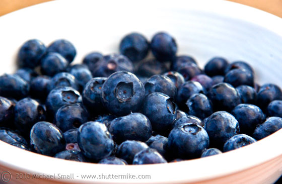 Photo of a bowl of blueberries