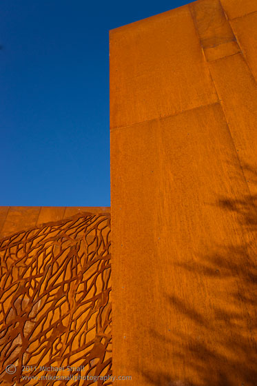 Architectural detail photgraph of the Scottsdale Arabian Library