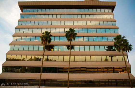 Photo of the Am Trust Bank in Scottsdale, AZ