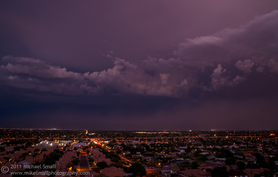 Photo of dark storm cloudsn rolling in over Phoenix