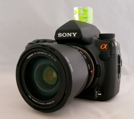 Photo of a Triple axis bubble level on a Sony Alpha 850