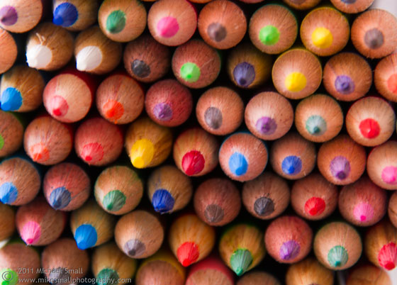 Image of the tips of a bunch of colored pencils