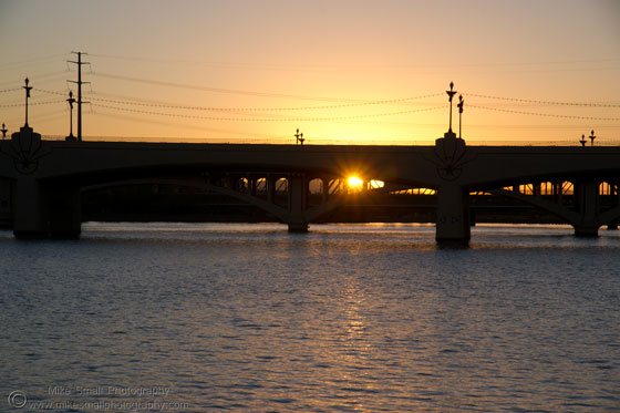 Sunset photography of the Mill Avenue Bridge in Tempe
