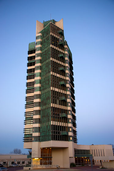Photo of Frank Lloyd Wright designed Price Tower in OK