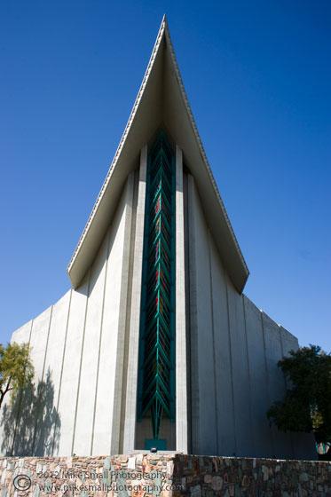 Photograph of the Shepard of the Valley Church in Phoenix, AZ