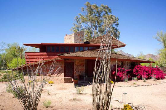 Photo of the Jorgine Boomer House by Frank Lloyd Wright